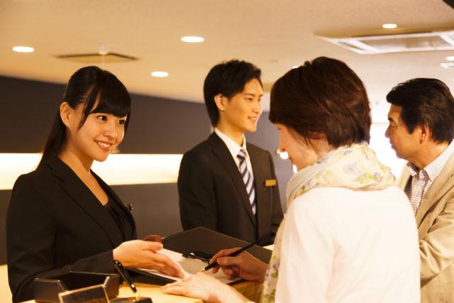 【今話題の成長企業】ホテルフロントスタッフ☆★ 新しい「ステージ」で自分を変えてみませんか?